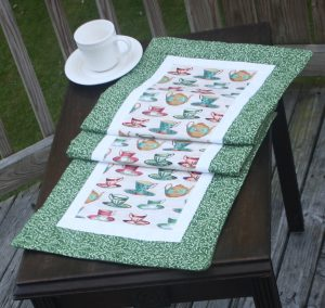 Supreme Accents Handmade Tea Cups Table Runner