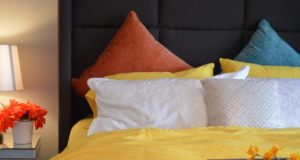 How to Arrange Pillows on Queen Bed Option 4