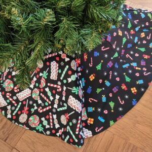Supreme Accents Christmas Candy and Gifts Christmas Tree Skirt 36 inches