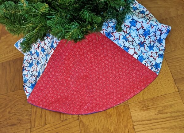 Supreme Accents Patriotic Tree Skirt 36 inches