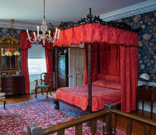 Supreme Accents Bedroom Styling Adding a Canopy Bed Victorian