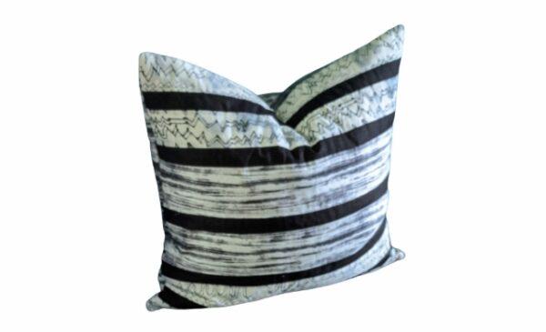 Supreme Accents Urban Spirit Dark Pillow