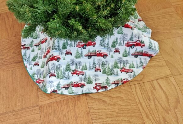 Supreme Accents Christmas Truck Tree Skirt 36 inch